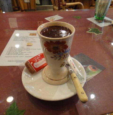 varm choklad på Le Café Jardin i Antibes