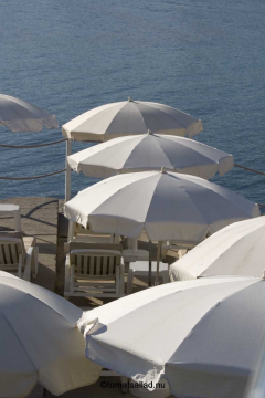 Solparasoller på Royal Beach.