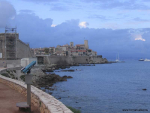 Gamla Antibes i kvällsljus