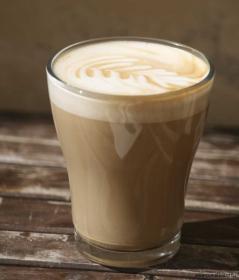 Cafe latte på DaMatteo