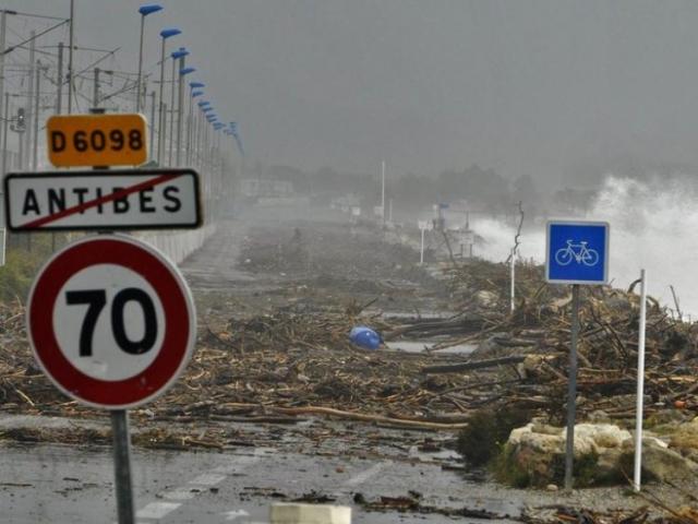 Vägen från Antibes österut.