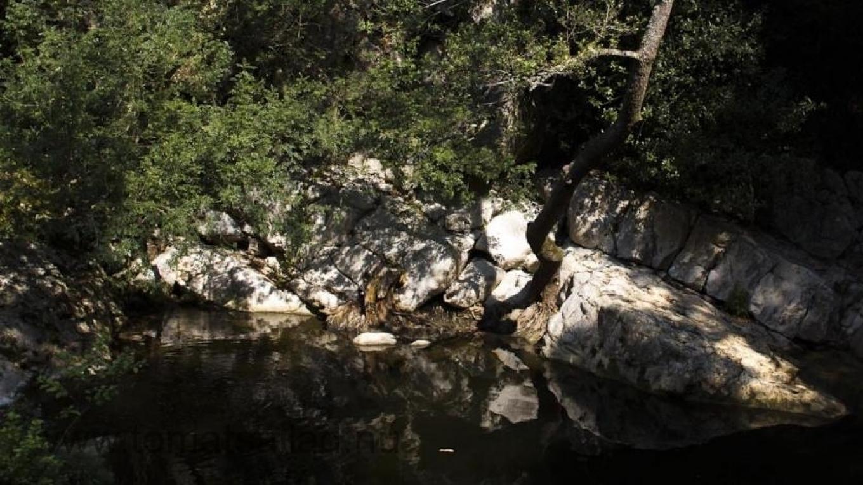 Vackra kalkklippor längs La Brague
