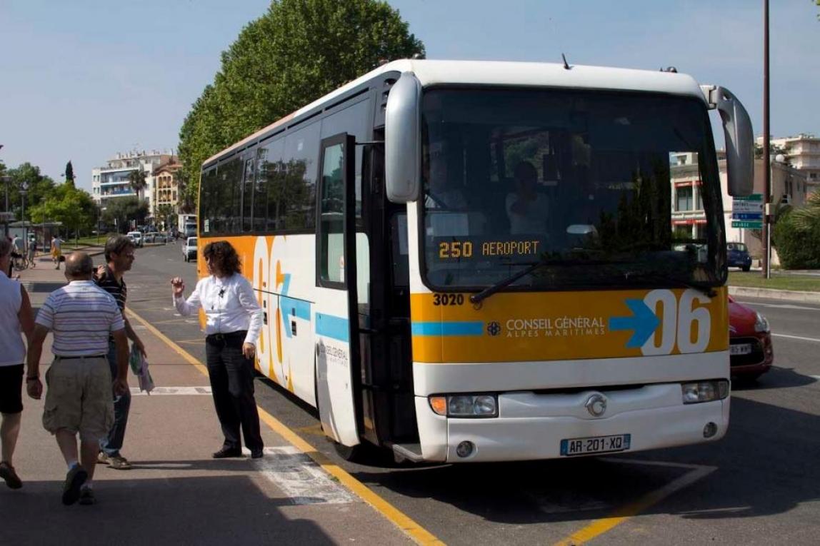 fransk-buss-8744