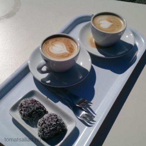 två snygga cappucino
