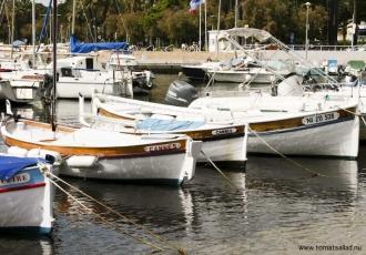 Små fiskebåtar i Cannes