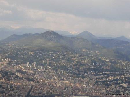 Tror det är Mont Chauve som skymtar i bilden