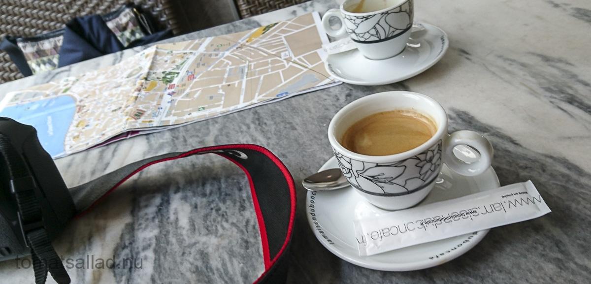 kaffe-karta-och-kamera-07