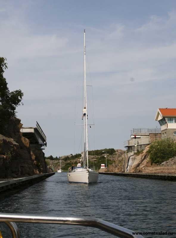 båten bakom i smögenkanalen