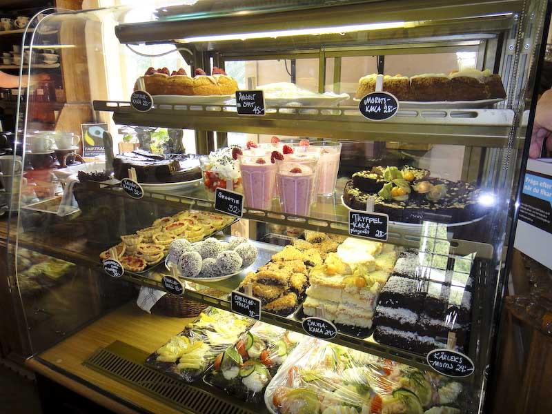 dignande utbud på Sundsby säteri kaffestuga