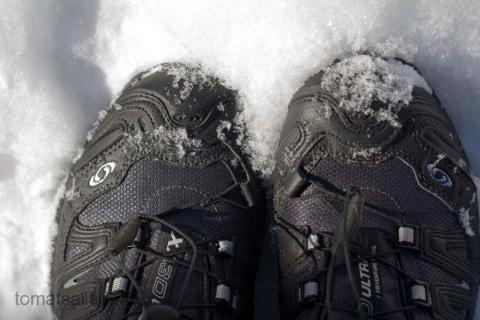 skor i snö