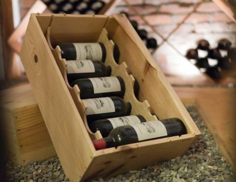 låda med vin