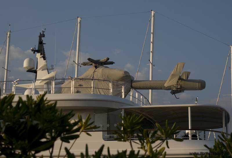 Egen helikopter på yacht