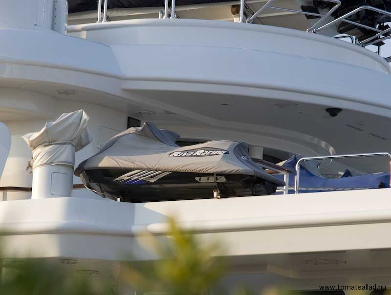 Vattenskoter på yacht