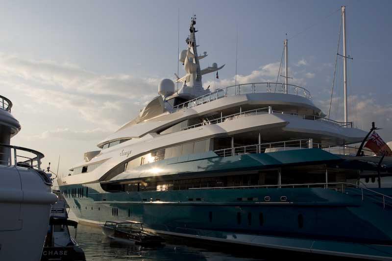 Yacht med kompis