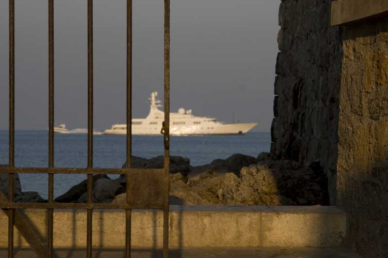 Yacht utanför Antibes