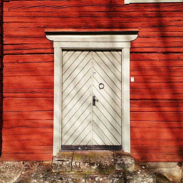 #dörr #rötthus #skånela #gammalthus #hembyggdsgård